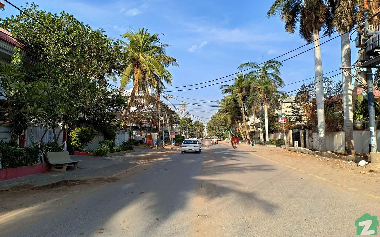 Street view in Gulshan-e-Iqbal