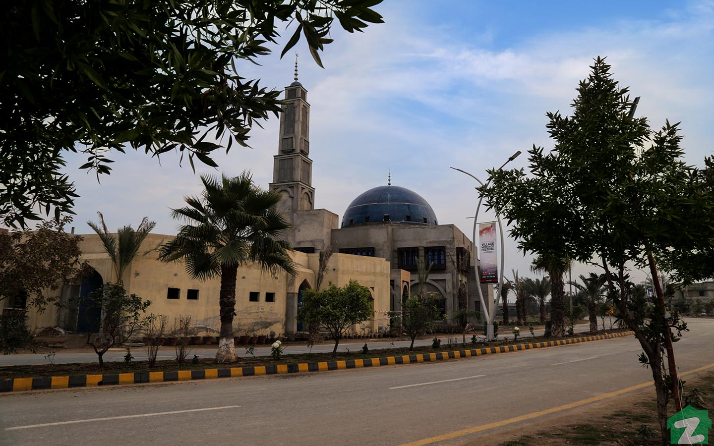 Mosque in SA Gardens Lahore