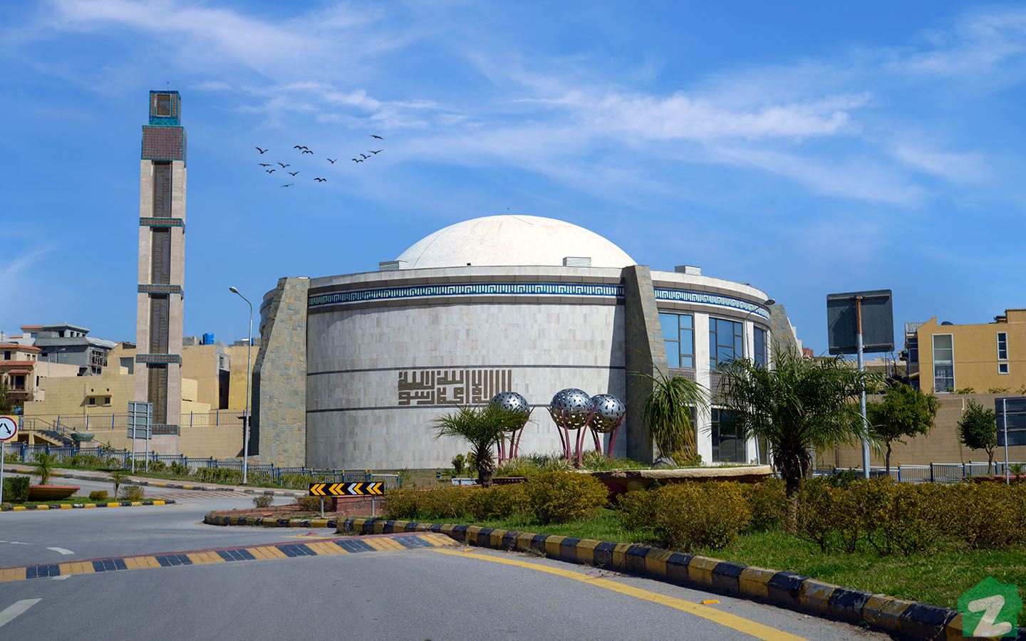 Picture of a mosque located in Rafi Block, Phase 8, Bahria Town, Rawalpindi
