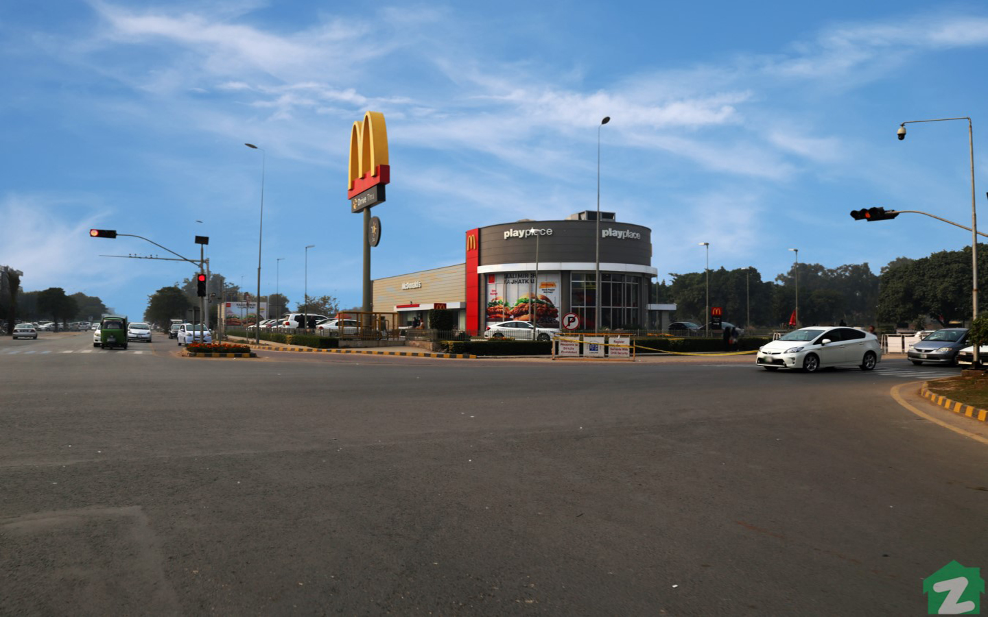 Popular Food joints near Phase 7, DHA Lahore