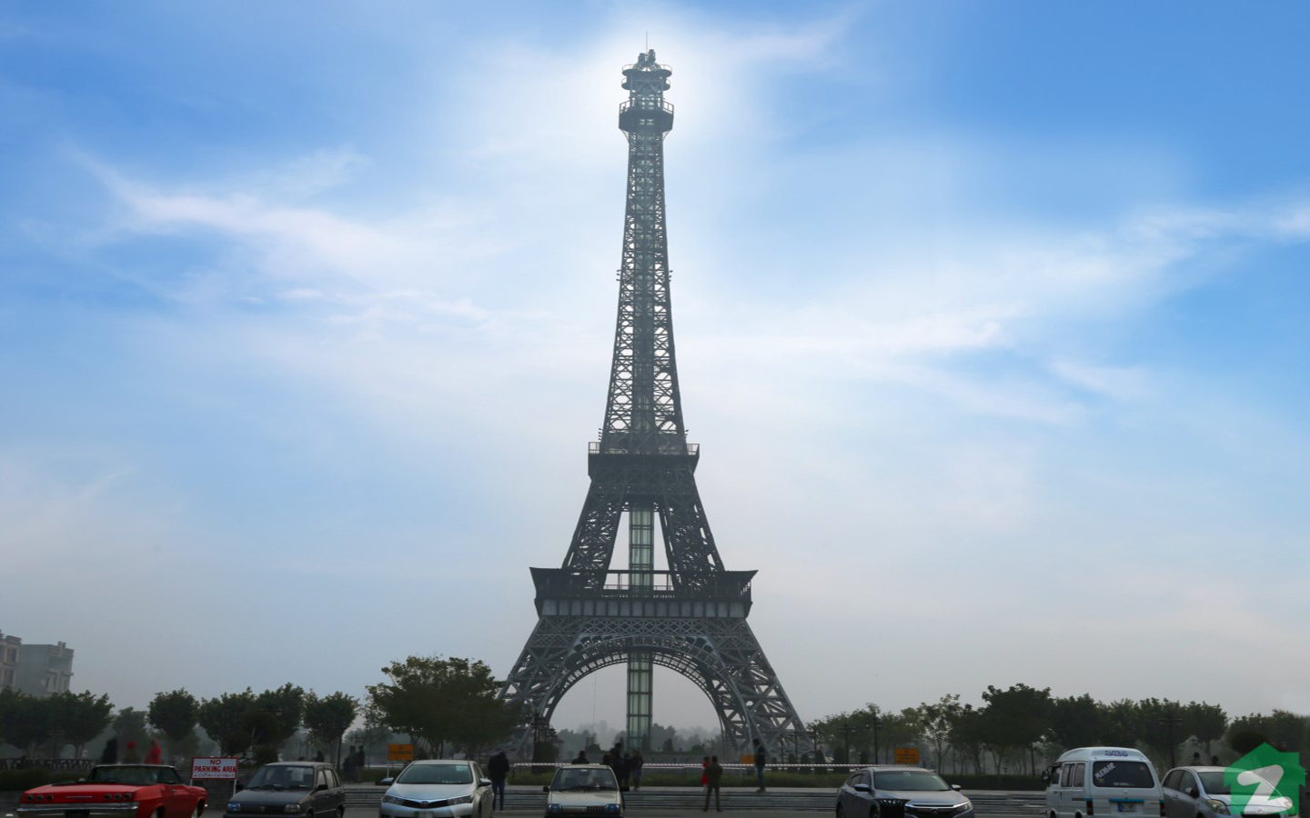 Eiffel Tower Park is a right place to hang out and enjoy tea/coffee in soothing evenings