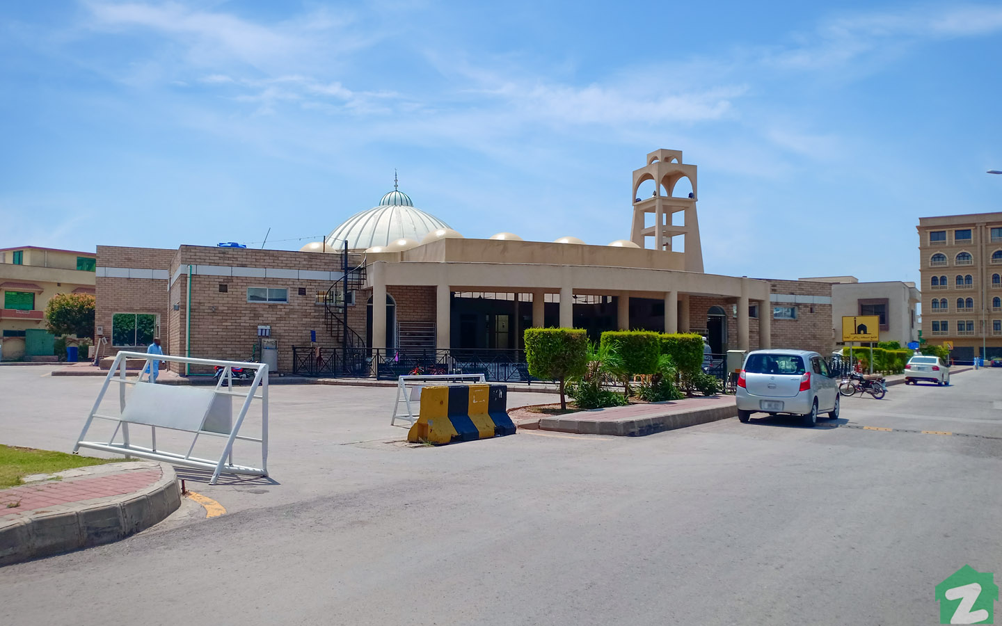 A good number of spacious mosques are located in Bahria town, islamabad