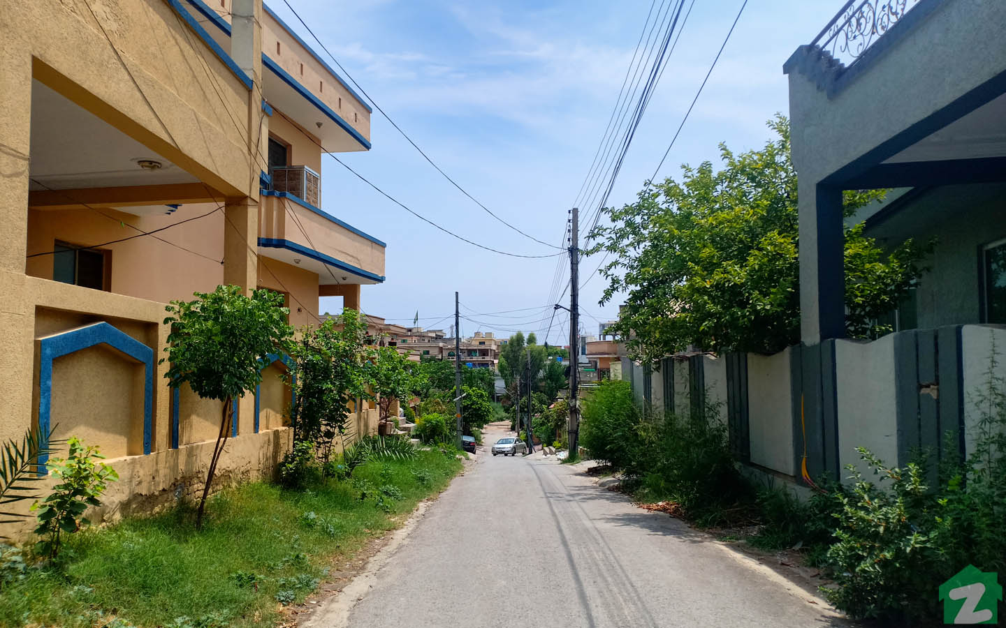Street view of houses in Pakistan Town Islamabad