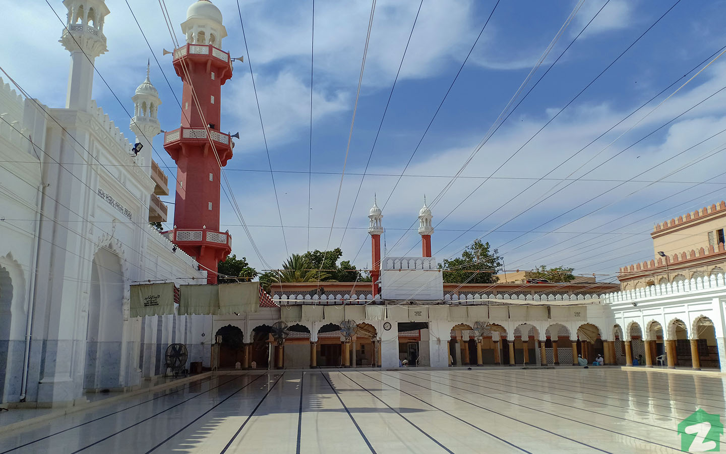 Binori Mosque is a very popular mosque among the residents
