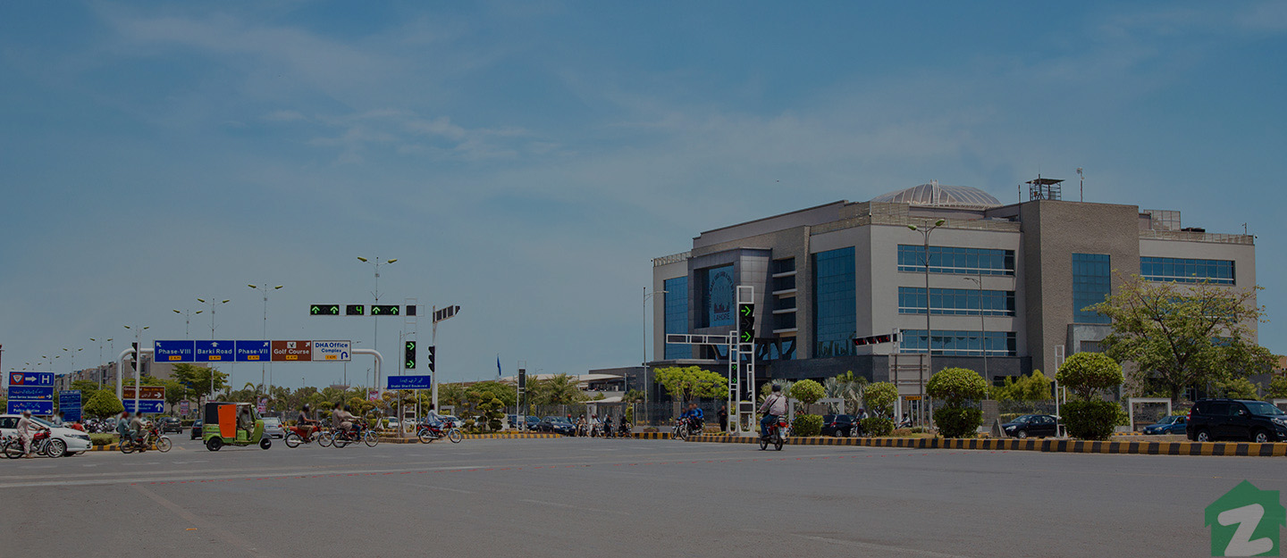 Wide road of DHA Phase 6 Lahore