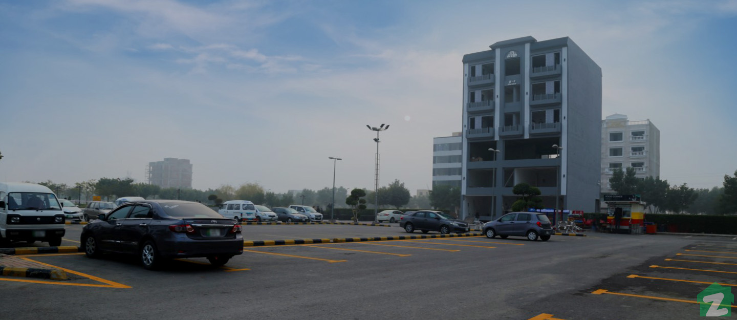 BE&M City is near Bahria Town Lahore's Eiffel Tower Replica
