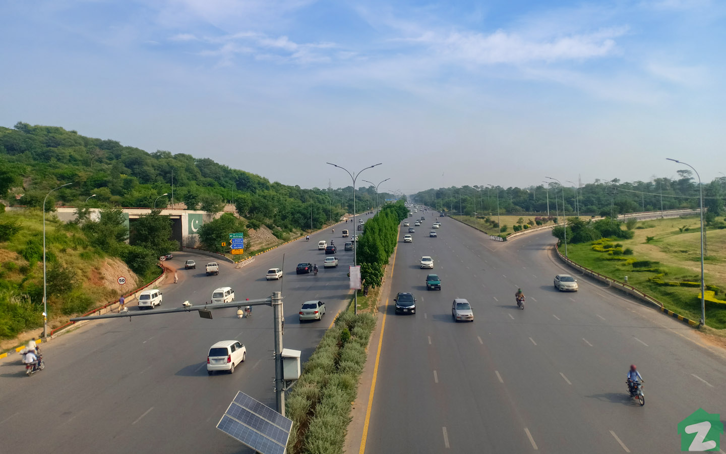 Jinnah Avenue Islamabad is an important commute route