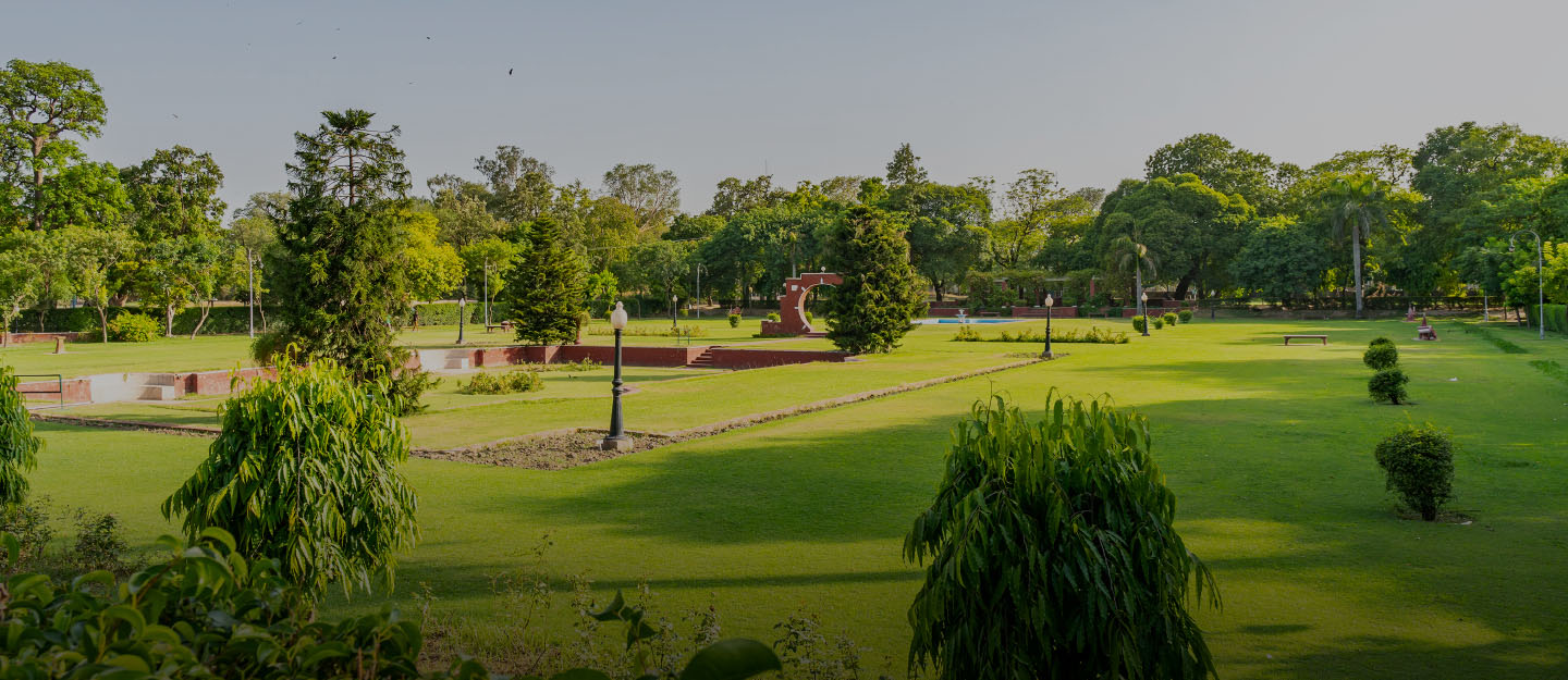 one of the historical parks near Shershah Colo, Ichra is Bagh-e-Jinnah.