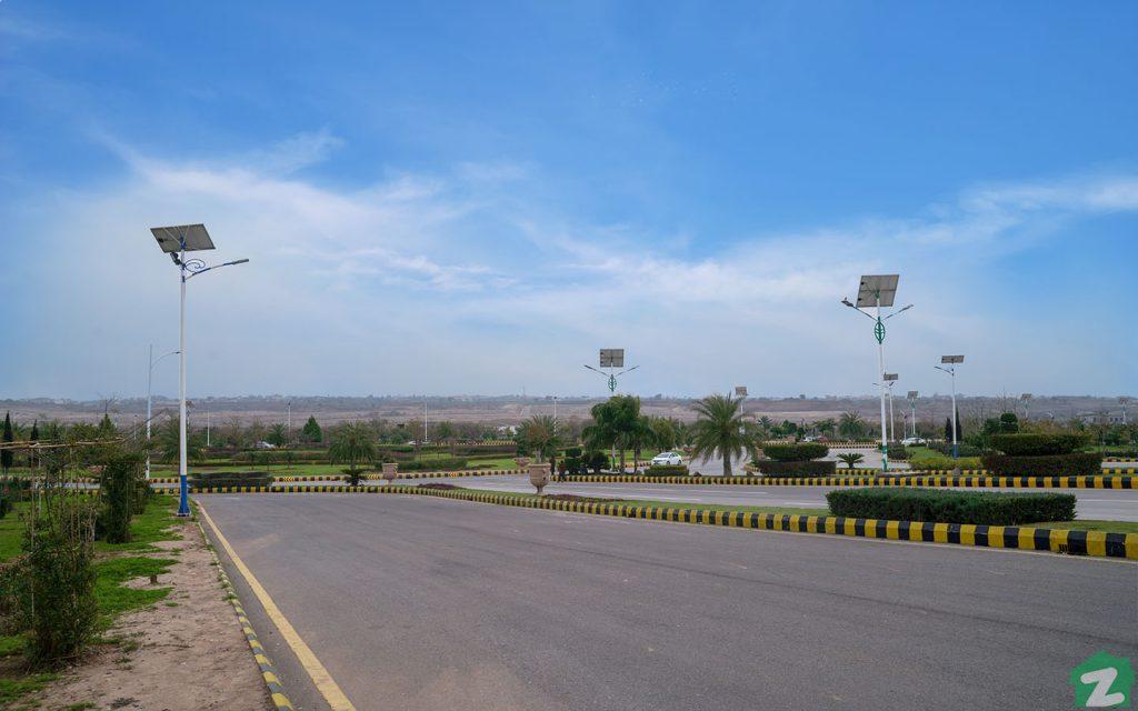 Roads nearby Gulberg Business Square, Islamabad