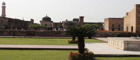 Neela Gumbad, Lahore